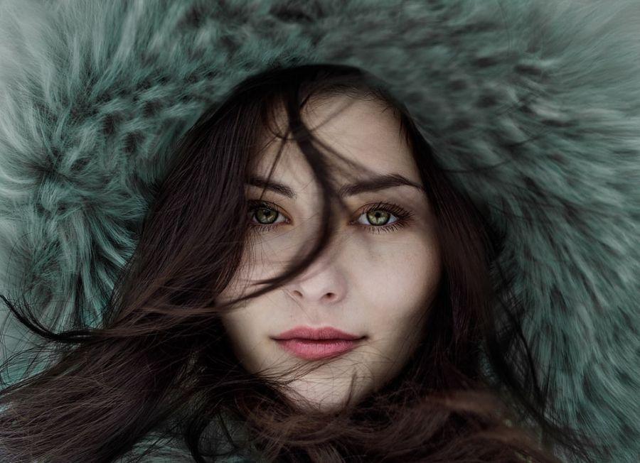 visage d'une femme en hiver